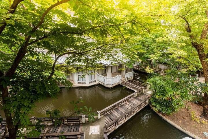 湄南河 皇家花园独栋别墅  带豪华泳池 靠近市中心大皇宫考山路 独立温馨房