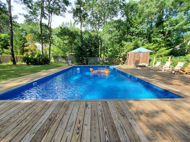 Peaceful,  Heated Pool, Close to Ocean & Village!