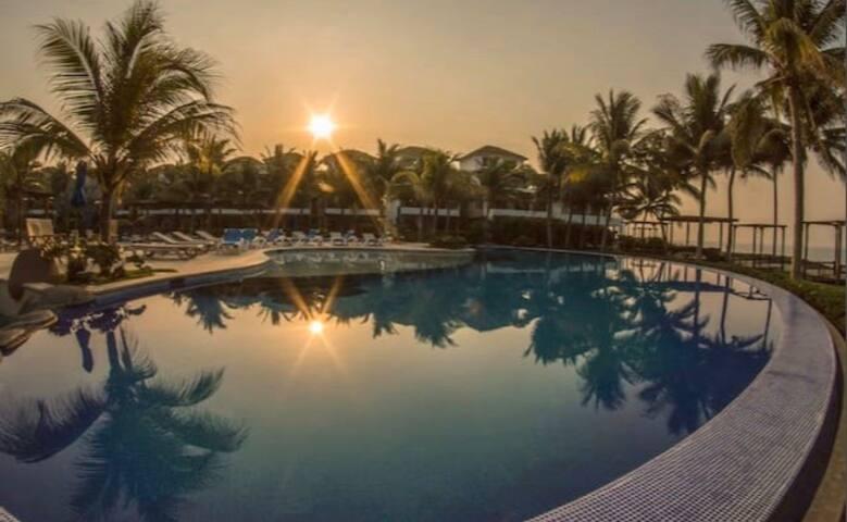Beautiful 3BR Oceanfront Villa