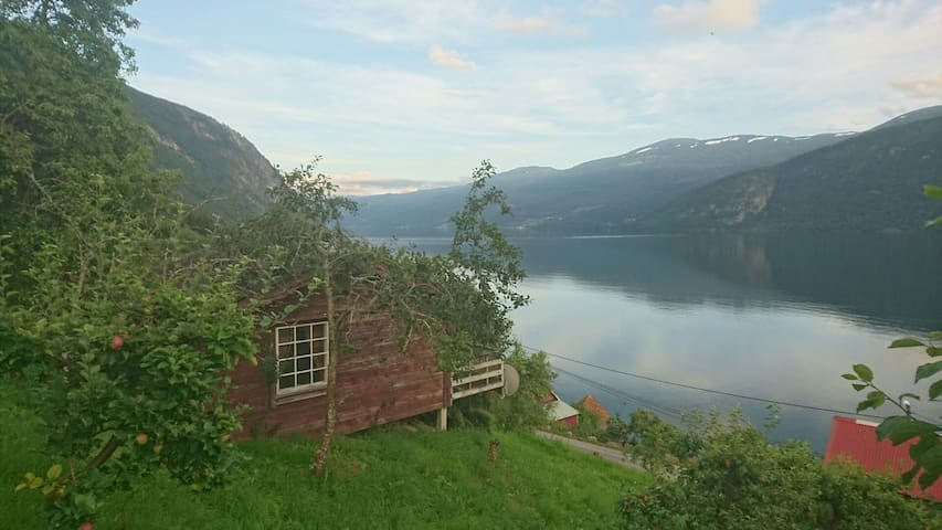 Fjord cottage in Hopland