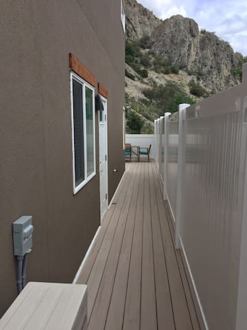 Private entrance and walkway to suite.