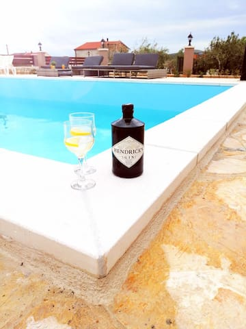 Pool Apartment Eva