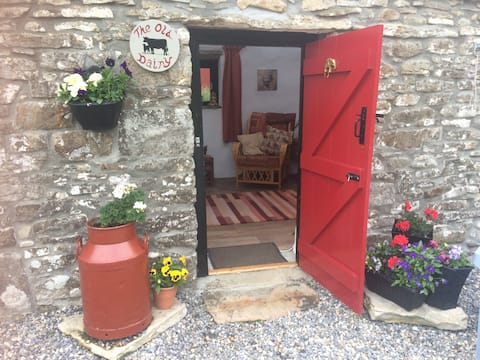 Unique stay in traditional Irish byre- dwelling.