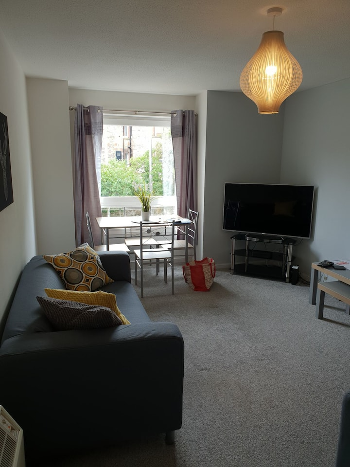 BARNSCOURT RESIDENCE 10MINS FROM CITY FREE PARKING