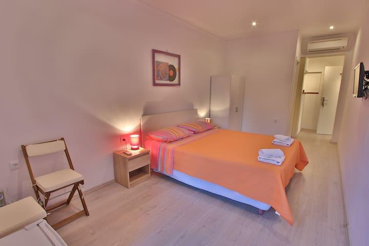 Rooms & Restaurant Feral - Rovinj - Bed & Breakfast
