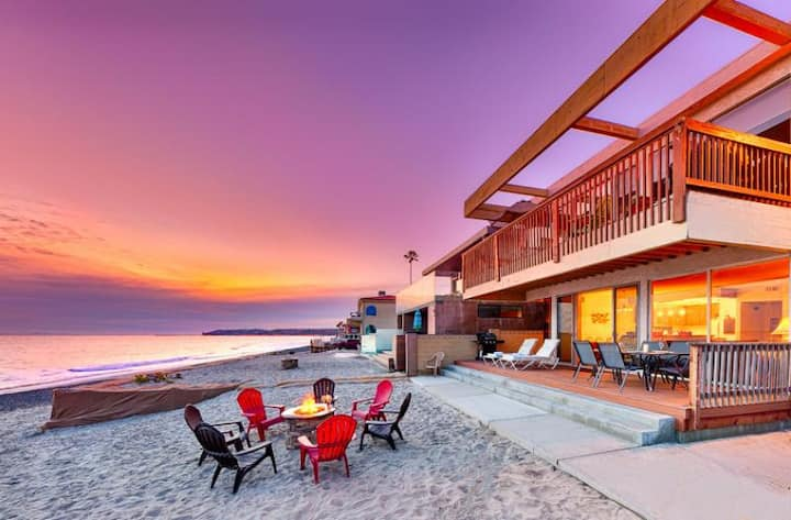 Beachfront Spacious Duplex w/ Outdoor Living on the Sand!