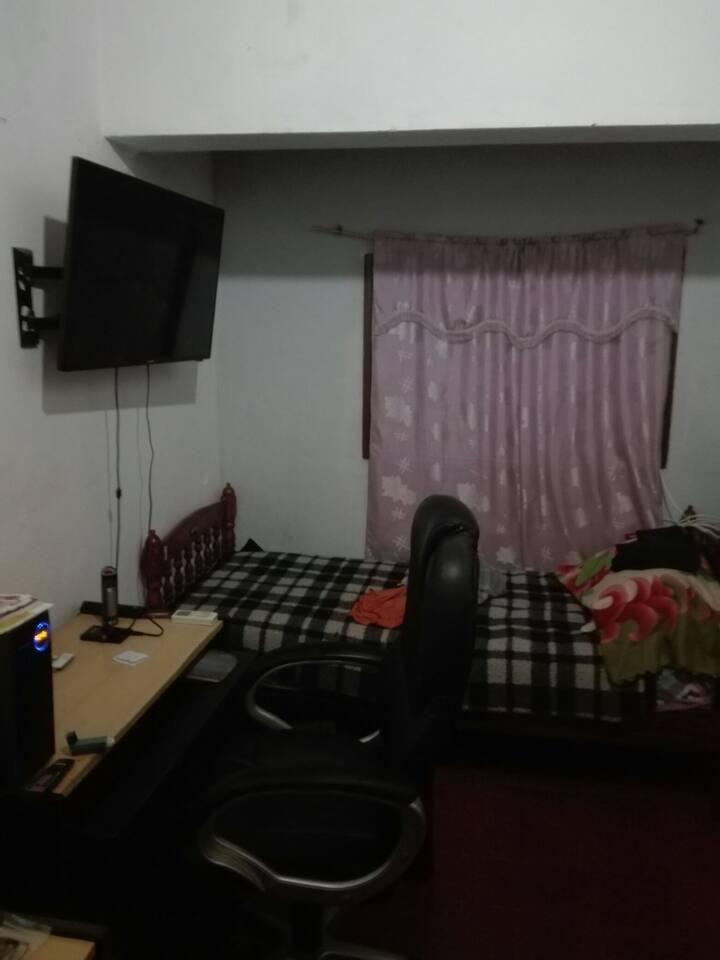 Habitacion con 1 cama, a una cuadra de la terminal