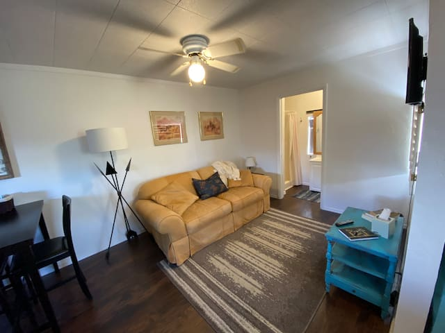 Studio n Wickenburg, Right in town, Ropers Meadows