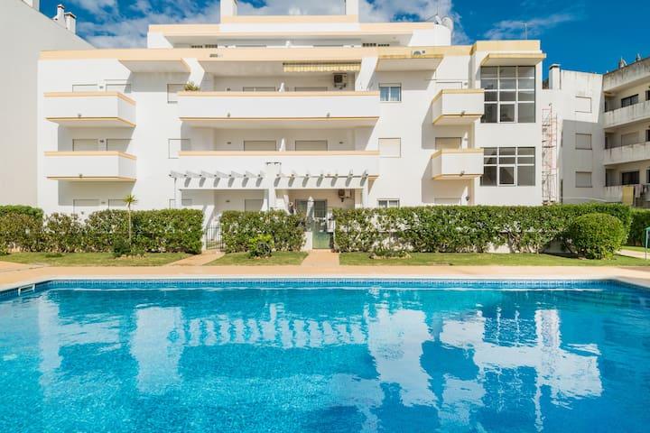 Peony Apartment, Olhos de Agua, Algarve