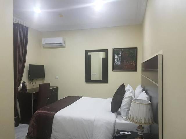 Brookville Hotel-Executive Room