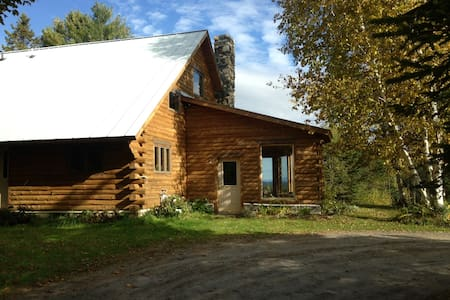 Beautiful Log Cabin Getaway - Danville