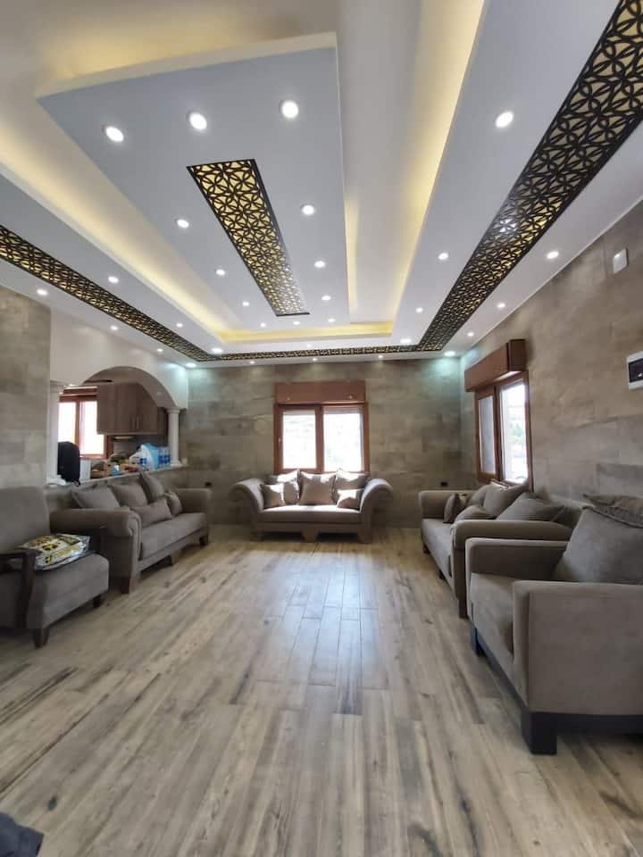 بيت ريفي مستقل في اجمل مواقع الاردن