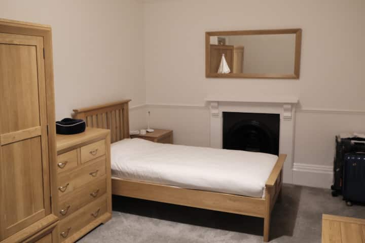 Single Room in Oxford, Norham Gardens