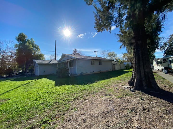 Single story Single family house in central Davis