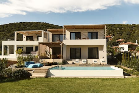 Villa Mouria. Ideal family villa with pool. Sleeps 6-8