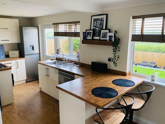 *Hot Tub* Luxury 3 Bedroom North Devon Home