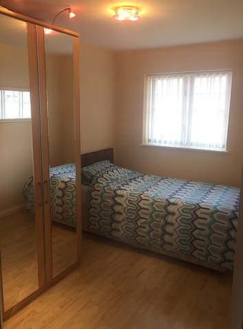 Lovely Bedroom Available - Coventry