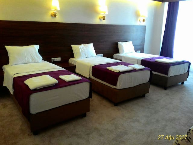 Spacious Triple Room/TURKISH BATH,SAUNA,BREAKFAST