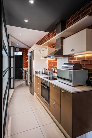 A Modern, Perfectly Located  Rosebank Studio Apartment