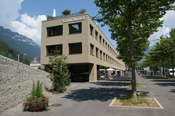 Interlaken Youthhostel 1 bed in 6 bedded room