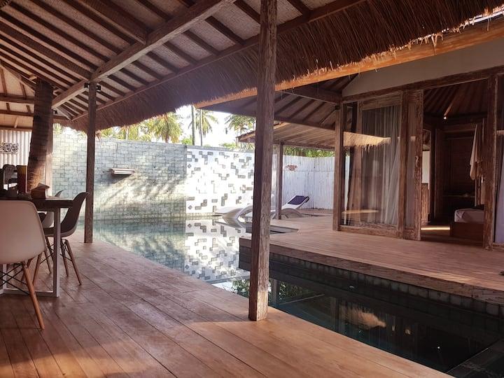 Villa Putih - amazing 3-bedrooms Villa with pool