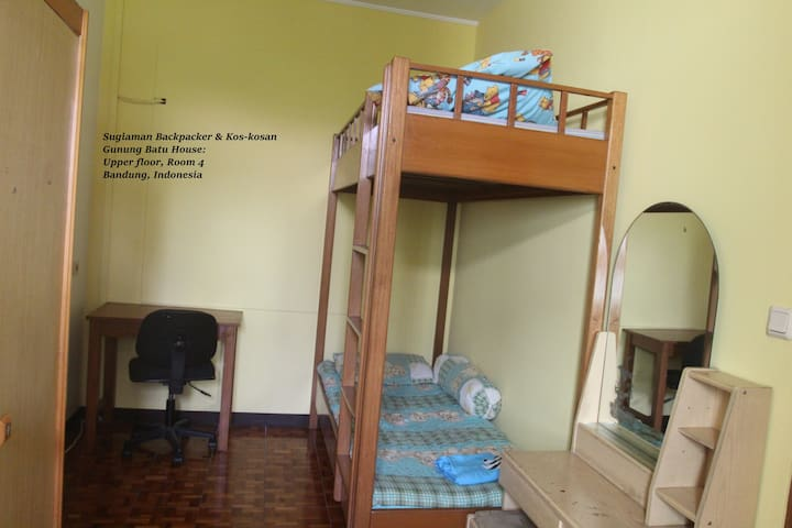 Gn Batu House: Backpackers Room 4 - Cicendo - House