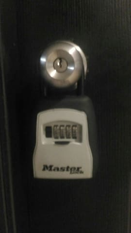 keysafe combination lock entry