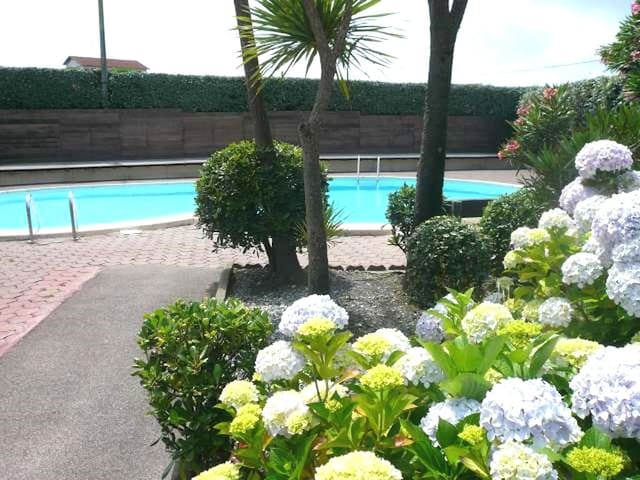 T3 - Swimming-pool and garden - Milady Biarritz - BIARRITZ - Byt