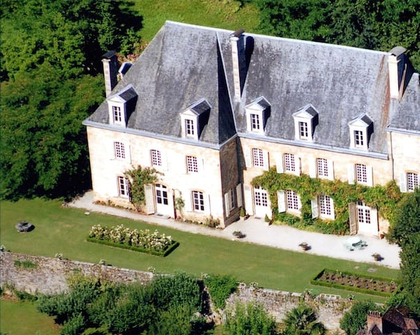 The Castle Of Maubuisson For An Exceptionnal Stay