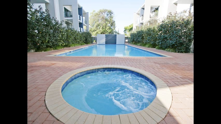 Resort style comfortable apartment - Rivervale - Flat