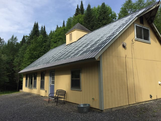 The Burke Sugar Shack Sleeps Up To Six (3 Bedrooms, Four Beds).