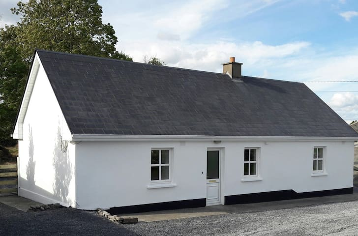 Mayfly Cottage - traditional Irish cottage