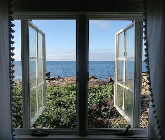 Oceanfront Cottage, Family Friendly - Kennebunkport - House