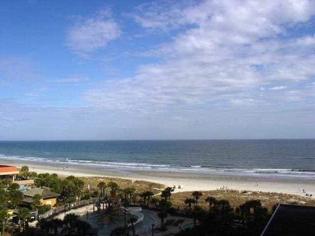 New Oceanfront Residence Now Available!  Pristine! - Myrtle Beach - Kondominium
