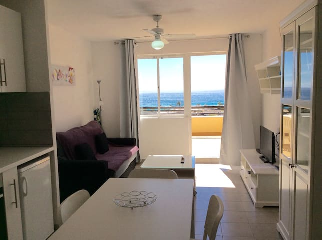 terrace and facing the ocean (91) - Morro Jable - Apartamento