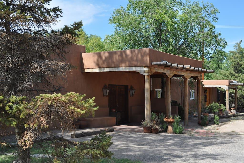 Adobe garden bed and breakfast casas en alquiler en los for Piani casa adobe hacienda