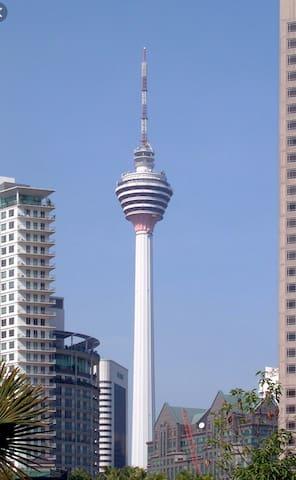 KL Tower(500m) 吉隆坡塔(500米)