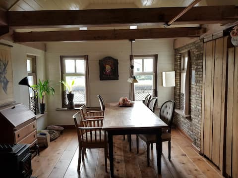 Experience the Frisian countryside in our B&B!