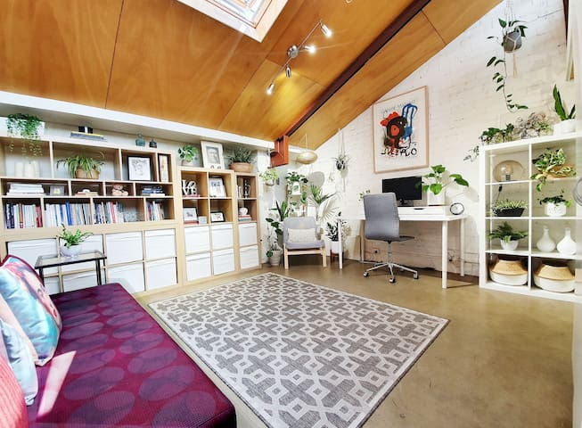Warehouse Loft close to MCG, Rod Laver * Fireplace