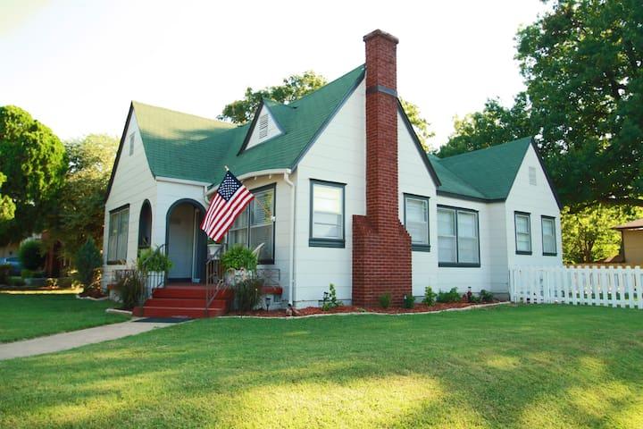 Hotels & Airbnb Vacation Rentals In Tulsa, Oklahoma, USA | Trip101