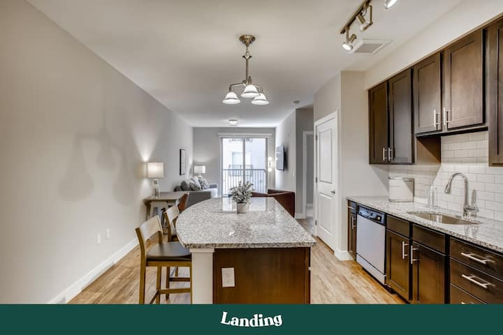 Landing | Modern Apartment with Amazing Amenities (ID4579)