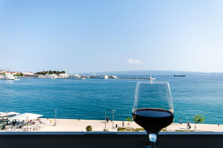 The Midpoint seafront apartment - Split - Appartement
