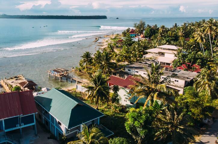 Surf House Jamburae Lodge Nias - Double Bed Room 1