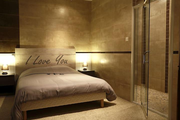 Chambre + salle de bain, wc 4.1