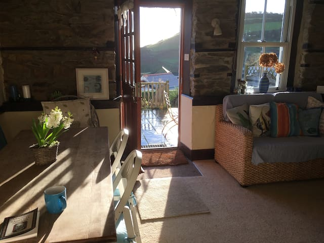 Cottage on Cornwall coastal path - Gorran Haven