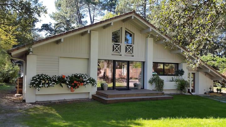 Hossegor villa 6 chambres, piscine 10x5 chauffée