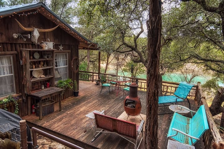 Rustic Cabin on Blanco River - Wimberley