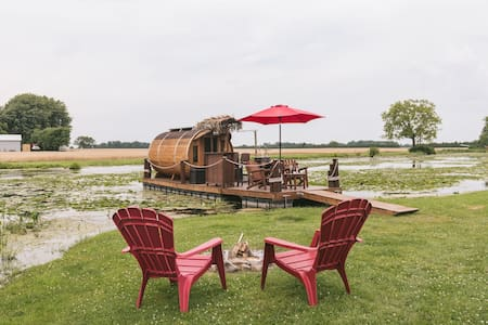 Floating Panoramic Wine Barrel Cabin on Wine Route
