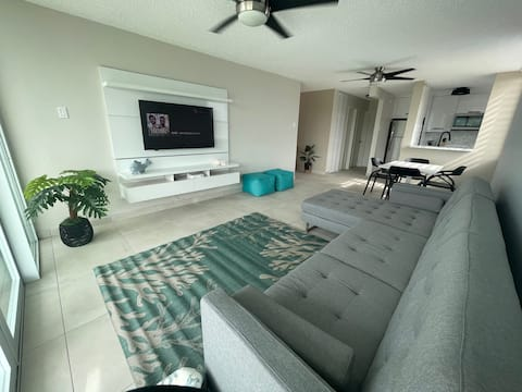 Welcome to Ocean Bliss- Oceanfront view apartment