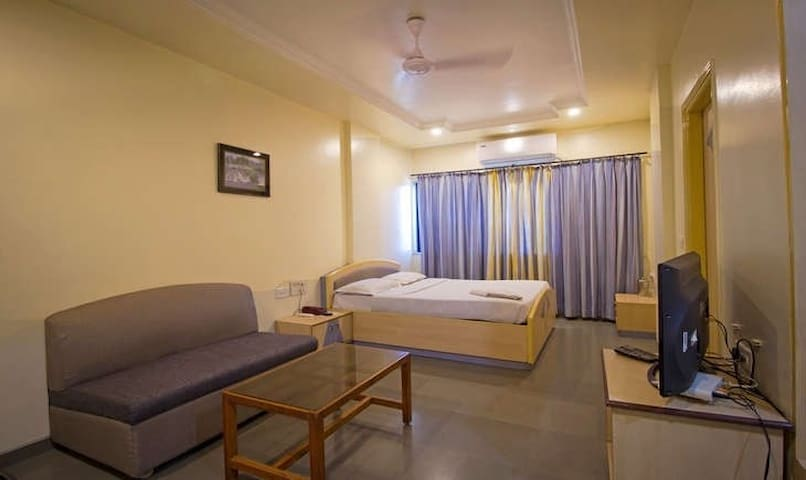 Best budget place in Akudi Pune - Pune